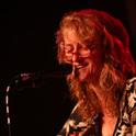 Eddi Reader startete ihre Karriere als Straßenmusikerin
