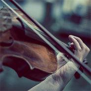 Die Geige hat geheimnisvolle Kräfte.