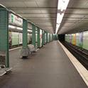An der Hamburger U-Bahn Emilienstraße findet sich der Zuhör-Kiosk