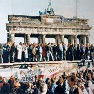 Damals stand die Mauer seit 25 Jahren.