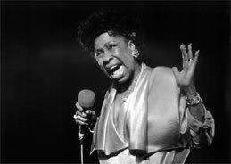 Die Jazzgröße Betty Carter mit der rauchigen Stimme