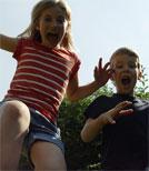 Elvis und Annarita geraten in jeden Menge Abenteuer in ihren Sommerferien
