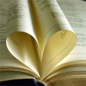 Zwei Bücher ergeben eine Liebesgeschichte aus zwei verschiedenen Perspektiven
