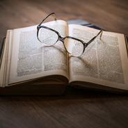 Alina Bronskys neuer Roman erklingt in einer Lesung von Sophie Rois