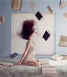 Die Literatur und das Schreiben, das den Menschen zum Glück verhilft