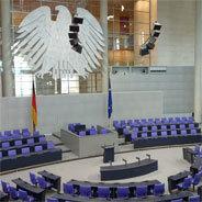 Ein Politiker mit Tourette im hessischen Landtag