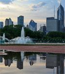 Das Feature lässt Menschen in Chicago zur Sprache kommen, die immer wieder Rassismus erleben