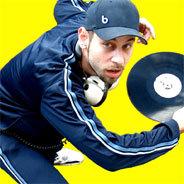 DJ Mad serviert aktuelle Hits, absolute Geheimtipps und freshe Nonstop-Mixtapes bei N-Joy