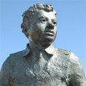"""Dylan Thomas war ein walisischer Schriftsteller, der mit der """"Rückreise"""" seine Heimat neu erkundete"""