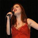Die schweizerisch-albanische Sängerin Elina Duni