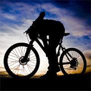 Sie sind erfolgreich und ihr Lebensstil durchorganisiert - ihre Fahrräder wiegen nichts und kosten ein Vermögen