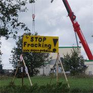 Fracking-Probebohrungen in seiner Stadt kommen bei Bürgermeister Wilke nicht in die Tüte - dafür muss er mit seinem Leben bezahlen