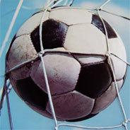 Das Runde muss ins Eckige - nur eine von unzähligen Fußballphrasen