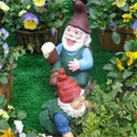 Ist es möglich, dass spießige deutsche Gartenzwerge in der Zukunft als teure Statuen gehandelt werden?