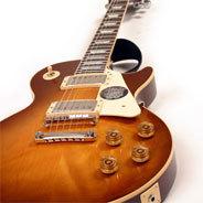 Der Gitarrist Jeff Schroedel glänzt besonders innerhalb der Altered Five Bluesband