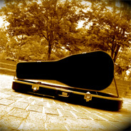 Der Gitarrist verstarb am 27. Mai 2017.