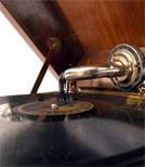 Unter den vielen Alben findet man auch Schätze.