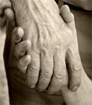 Wie wirkt sich das Alter auf Zärtlichkeit und Sexualität aus?