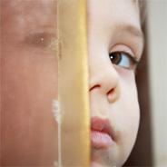 Als Kind musste sie Schreckliches mit ansehen.