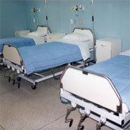 Wer einmal im Krankenhaus ist wegen einer mittelschweren Krankheit, darf nicht so einfach das Gebäude verlassen und wenn überhaupt, dann auf eigene Gefahr.