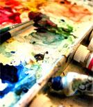 Kira darf im Atelier von Boris auch selbst etwas malen