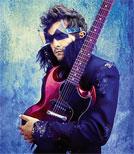 Glamouröses Show-Outfit: Auf der Bühne ist der französische Sänger und Gitarrist Matthieu Chedid sein Alter Ego -M-