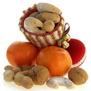 Der Nikolaus kommt am 6. Dezember und bringt Geschenke oder die Rute, das weiß doch jedes Kind - aber war das schon immer so?