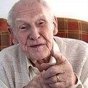 Suchanek freunet sich mit einem grummeligen alten Mann an.