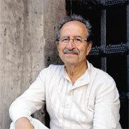 Rafik Schami ist ein syrisch-deutscher Schriftsteller und nebenbei noch promovierter Chemiker