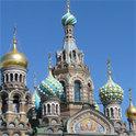 Eigenständig erkundet die Nase St. Petersburg.