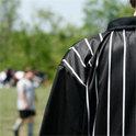 """Inzwischen ist der Schiedsrichter nicht mehr """"Herr des Fußballplatzes"""", denn Fehlentscheidungen können indiskutabel offengelegt werden"""