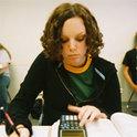 Schülerin am Schreibtisch
