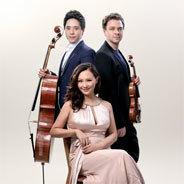 Das Sitkovetsky Piano Trio ist eine preisgekrönte Formation außerordentlicher Musikerinnen und Musiker