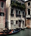 Der Thriller führt bis ins malerische Venedig