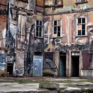 Ein Abrisshaus dient als Kulisse eines Mords